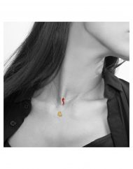 invisibili cornetto rosso e cuore medio oro indossato bn_