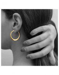 Svasa orecchini in oro 18kt indossati