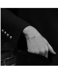 bracciale micro iniziali LEO oro_indossato