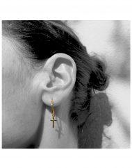 cerchietto-15mm-croce-oro_indossato