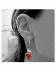 orecchini-cerchio-20mm-sacro-cuore-grande-oro_indossato