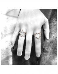 anelli cuore e stella zirconi indossati