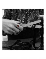 anello baguette ametista indossato forbici