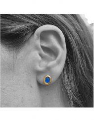 micro-blue-laboure-and-cross-stud-earrings-in-18kt-solid-gold_3
