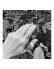 anello-baguette-azzurro-topazio_oro3