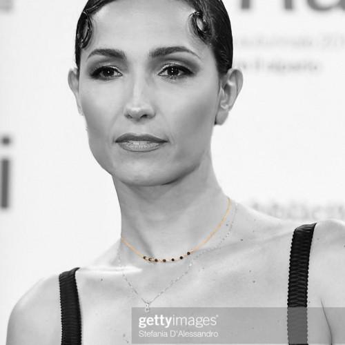 24-Caterina Balivo Choker